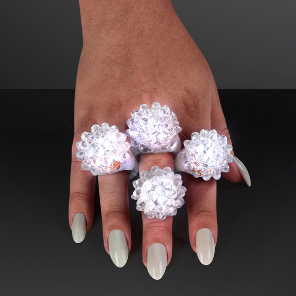 Soft bubble ring that flashes white.